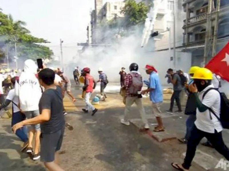 Militer MyanmarBenarkan TindakanKeras Terhadap Demonstran