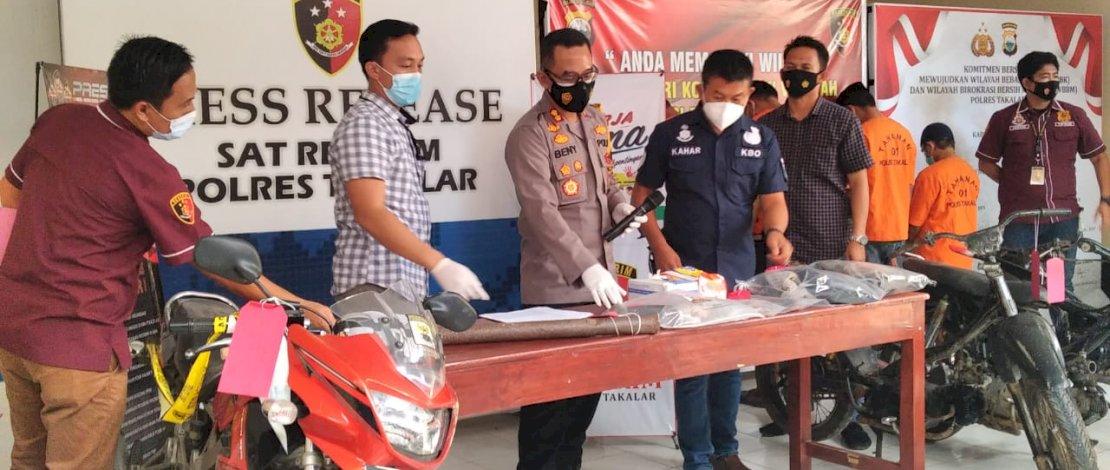 Suasana press release penangkapan pelaku curanmor di Polres Takalar.