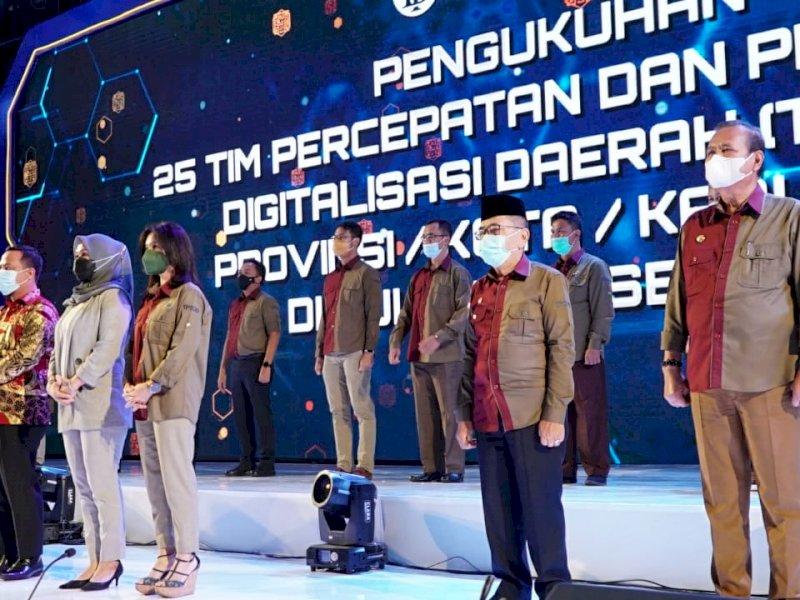 Plt Gubernur Sulsel Kukuhkan Bupati Luwu Sebagai Ketua Percepatan Digitalisasi Kabupaten Luwu