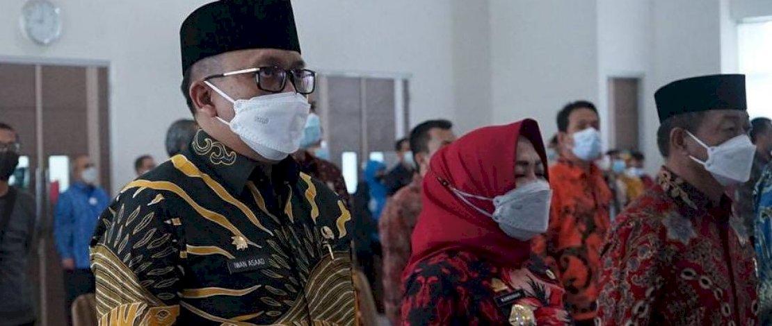 Iwan Asaad saat menghadiri sertijab Kepala BPK Perwakilan Sulsel.