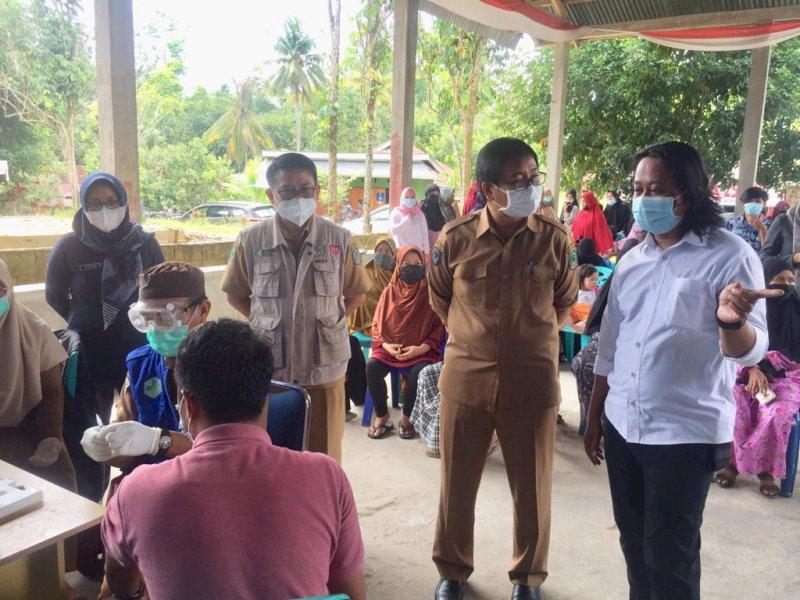 Tinjau Pelaksanaan Vaksinasi COVID-19, Wabup Suaib Imbau Masyarakat Divaksin