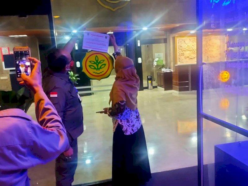 Kementan Komitmen Jamin Ketersediaan Pangan dan Patuhi Prokes, Stiker Segel Dilepas