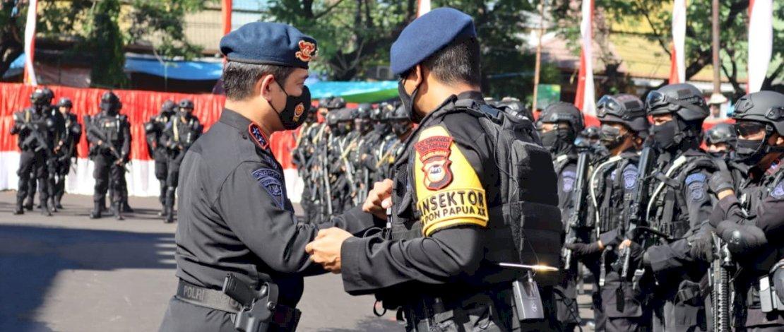 Kapolda Sulsel Lepas Personel Brimob PAM PON XX Papua