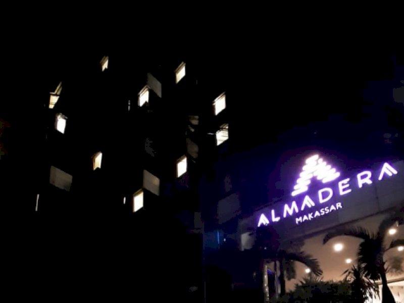 Apresiasi Petugas Medis, Hotel di Makassar Menyalakan Lampu Berbentuk Hati