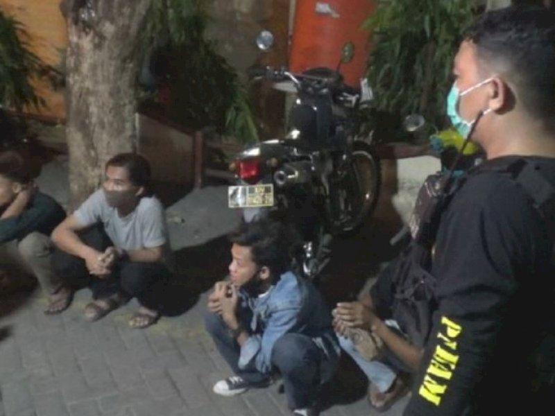 Mabuk, Lima Pria Mengaku dari Jeneponto Tantang Polisi di Makassar Balapan