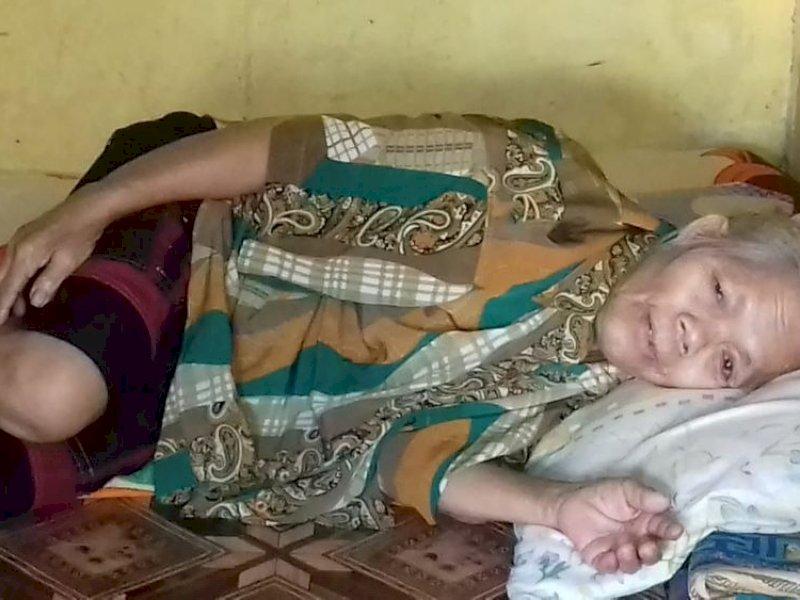 Kisah nenek Ludya, pengidap kanker yang berjuang hidup dengan berjualan bambu