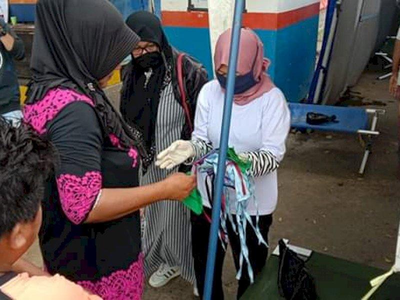 IMIKI Cabang Maluku Utara Wilayah Lima Bagikan Masker Gratis