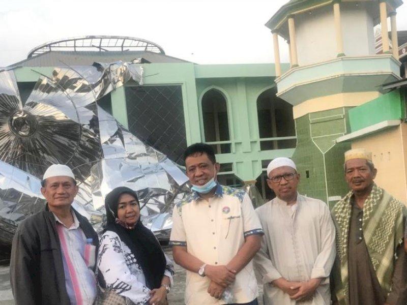 Respons Cepat, Tajerimin Ganti Kubah Masjid yang Rubuh di Mandai