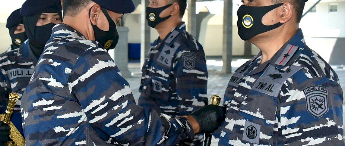 Laksamana Pertama TNI Benny Sukandari Resmi Pegang Tongkat Komando Lantamal VI