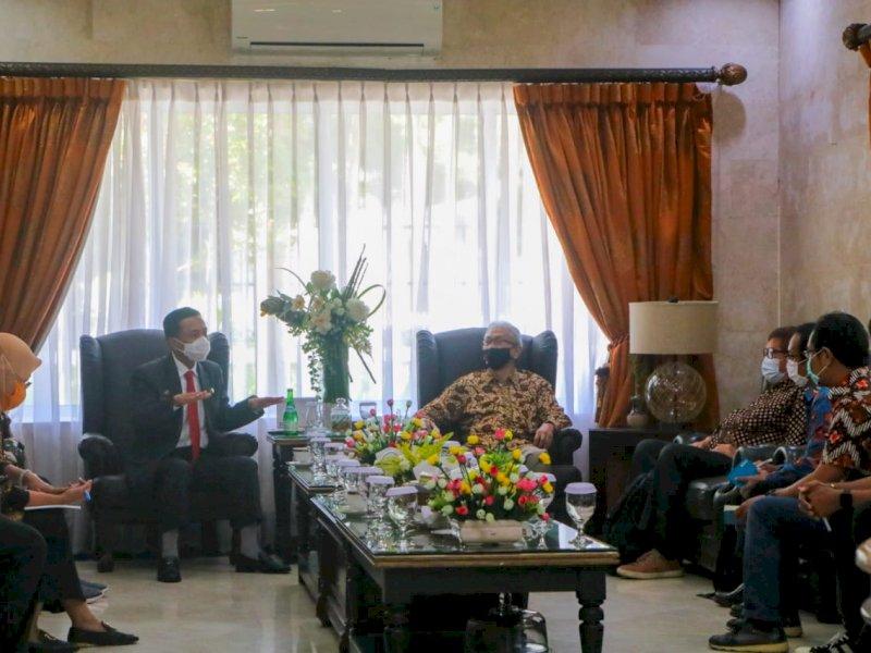 Pembangunan Twin Tower Tidak Ingin Bermasalah, Prof Rudy Minta Tim Ahli RTRW Meninjau