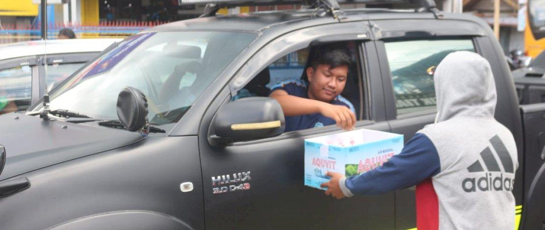 Aksi penggalangan dana peduli korban kebakaran Manokwari Papua oleh elemen organisasi pencak silat.