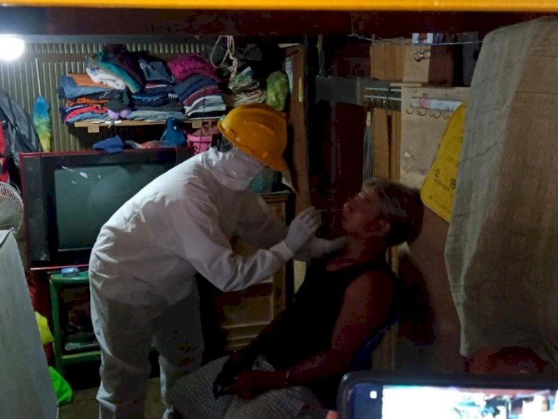 Istri Positif Covid-19, AK Diisolasi, Rumahnya Disemprot Disinfektan